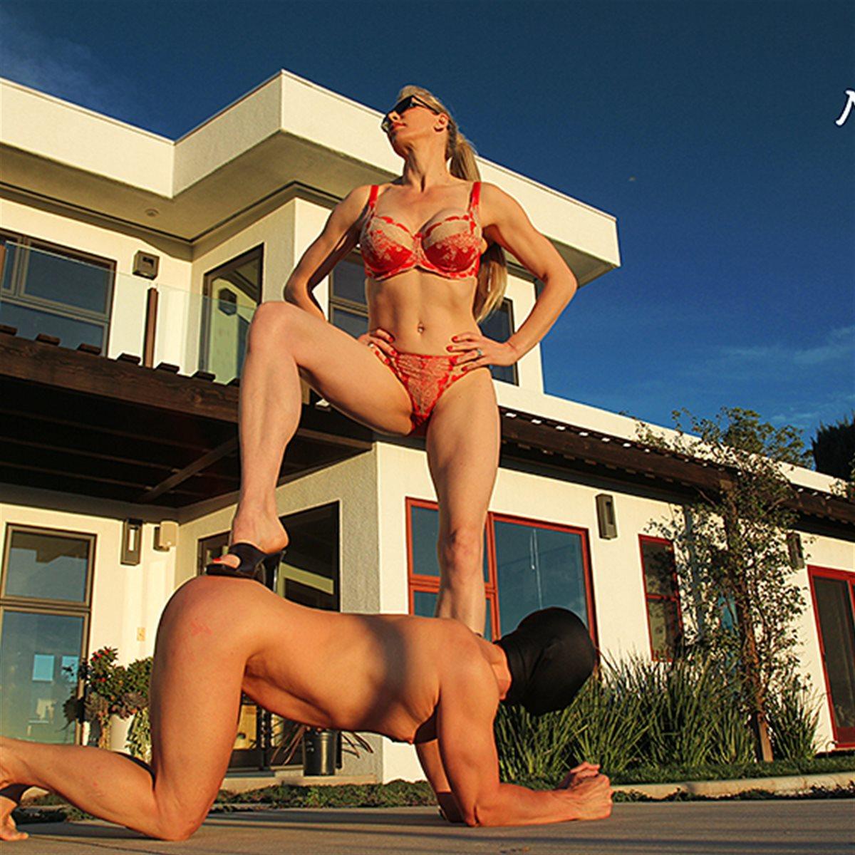 Goddess Severa - Sexy Mistress: http://www.kinkymistresses.com/Goddess-Severa-Sexy-Mistress-636250082214042502-blog.htm