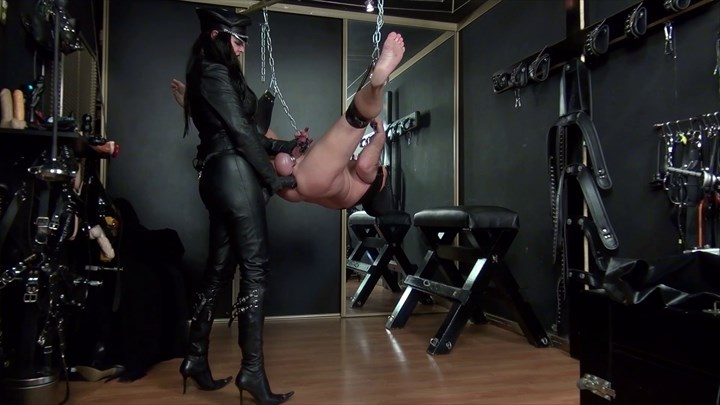 Dominatrix Dinah´s XL Strap-on Ass Play Domination/FemDom Strap On