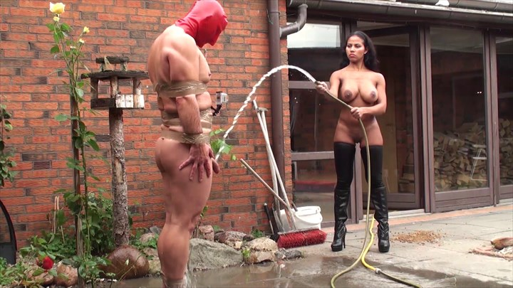 India Amazona - Water Punishment Domination/FemDom Bondage/Restraints