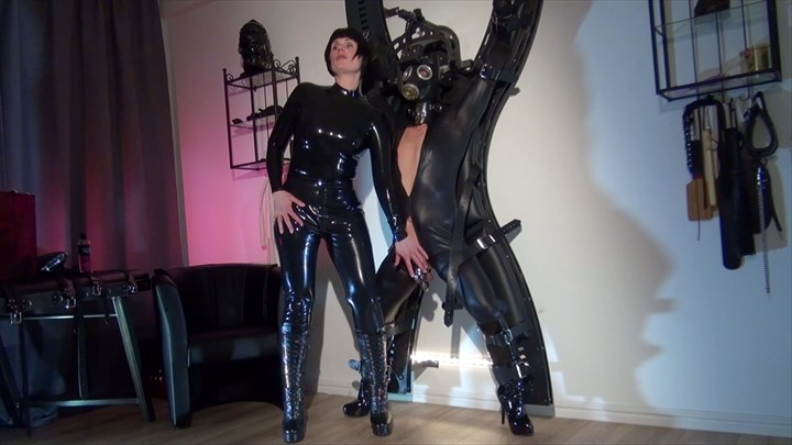 Helen Bates - The Fetish Slave at the Cross Latex
