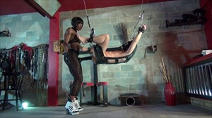 Kiana´s Huge Black Rubber Strap-on Anal Stretching Ebony Domination Strap On