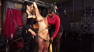 The Milking Machine - Used By 2 Ladies Ebony Domination Domination/FemDom 2-on-1 Action Milking Machines