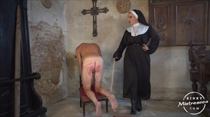 Mistress Lunas Caning Slave