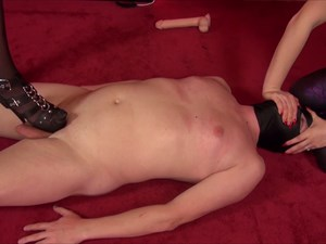 Scissoring And Strap-on Fucking