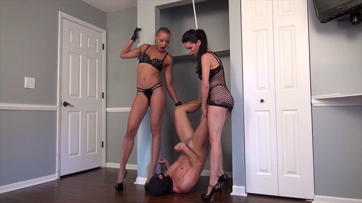 Miss Susie & Queen Qandisa Facial Fun  2-on-1 Action Facials Cum Eating