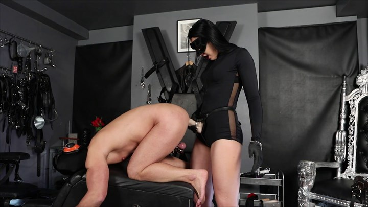 Mistress Gaia - Strap-on fucking Ass Play Anal Stretching Strap On