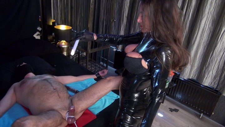 Lady Pias Slave Toy Part 1 CBT