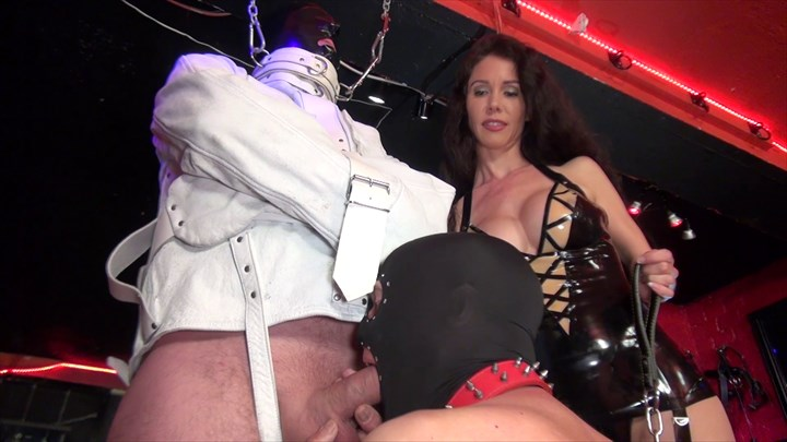 The Slave In The Straightjacket Bondage/Restraints