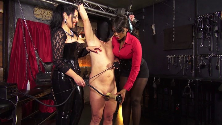 The Milking Machine - Used By 2 Ladies Ebony Domination 2-on-1 Action