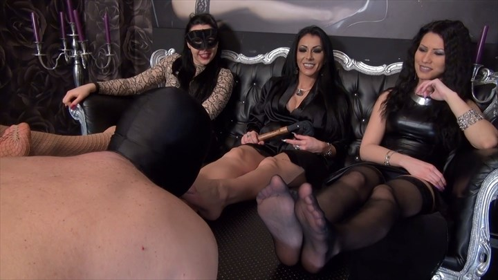Foot Fetish With 3 Ladies Foot Worship Foot Fetish