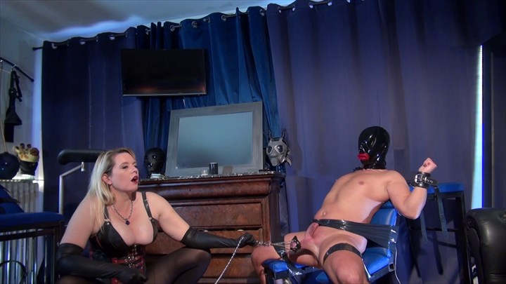 Ballstretching With Domina M CBT