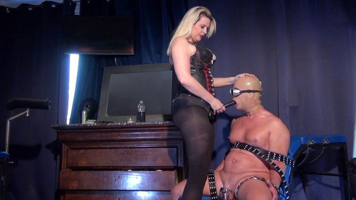 Domina M - Take the Strap-on Deep Deepthroat Strap On