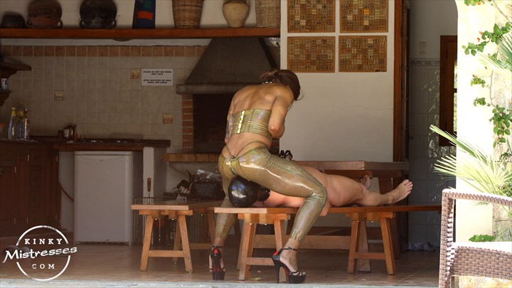 Latex Face-Sitting With Mistress Kiana Latex