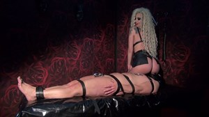 Mistress Krista - Hot Face-Sitting Face-Sitting/Smothering Nipple Torture