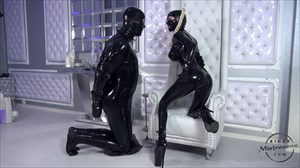 The Heavy Rubber Mistress Latex