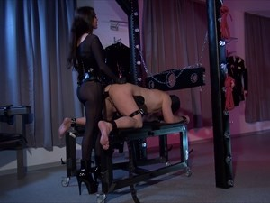 Mistress Susi - Ass Training and Strap-on