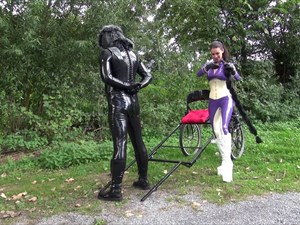 Mistress Susi´s Latex Sulky Ride