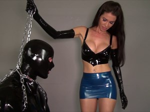 The Slave In The Latex Straightjacket