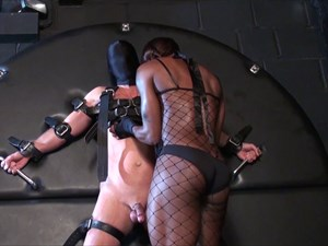 Kiana´s Slave At The Cross