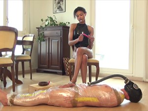 Hot Wax For Bijoux´s Slave