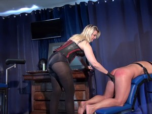 Domina M Is Fisting Her Slave