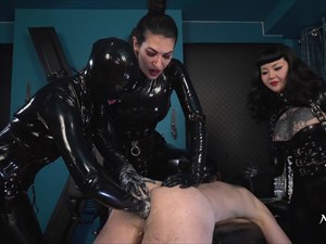 Fisted By 3 Rubber Ladies
